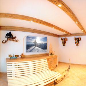Rezeption und Ruheraum im Berghof