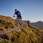 Biker am Saalachtaler Höhenweg